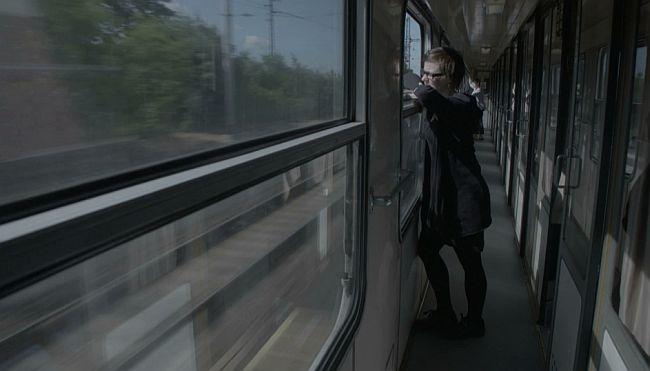 "Saša ""undercover"" odlazi na posao (FOTO: Apolena Rychlíková/Češka televizija)"